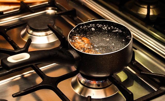 大量のお湯を沸かす鍋