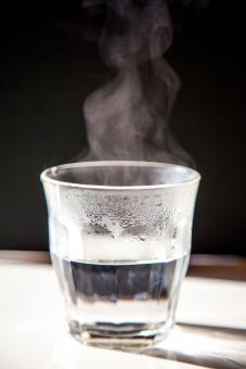 すぐお湯が出るウォータサーバーの使い道は?おすすめのお湯の活用方法!