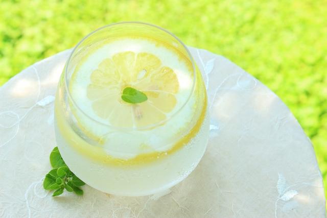 レモン水にデメリットはある?飲み続けることで起こる体の変化を調べてみた!
