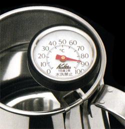楽水ウォーターサーバーのお湯の温度は?何度まで上がるか調べてみると!