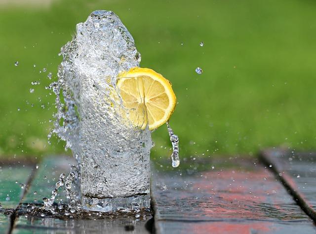 レモン水の効果のウソ・ホント|実際に効果があるのか調べてみた!