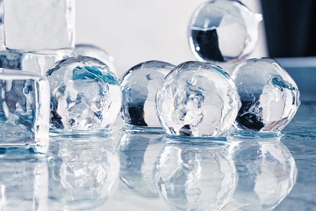 湯冷ましで氷を作ると透明になるってホント?簡単に出来る透明氷の作り方!